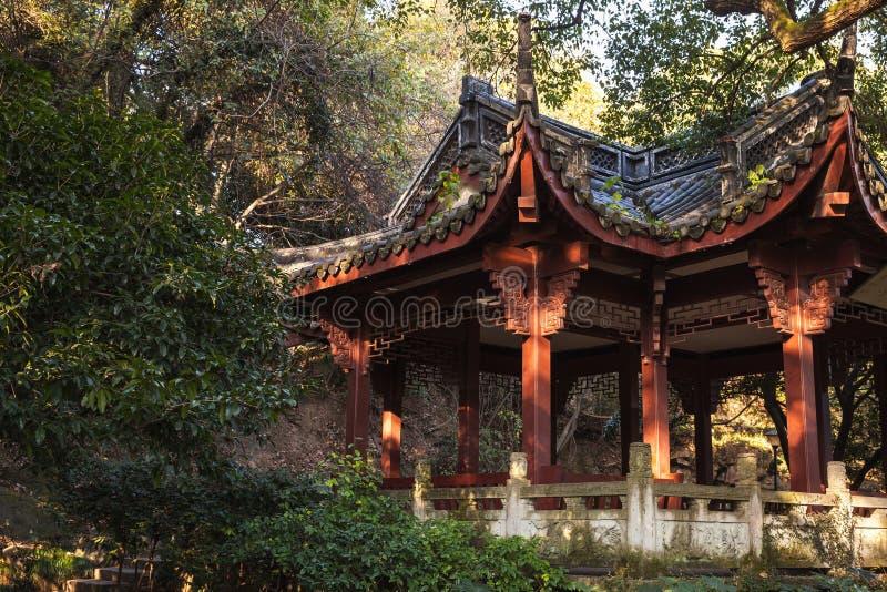 Tradycyjni Chińskie gazebo drewniany pawilon zdjęcia royalty free