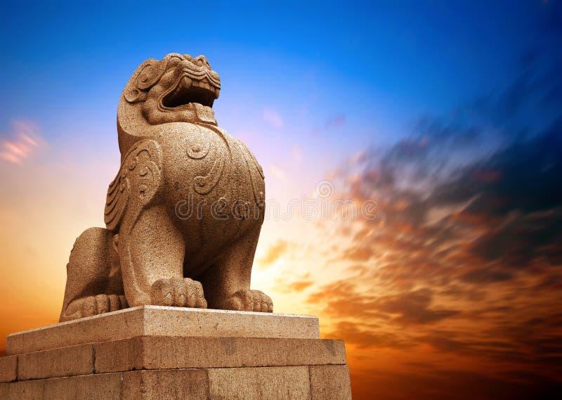 Tradycyjni Chińskie kamienny lew obraz royalty free