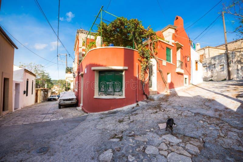 Tradycyjni domy i starzy budynki przy wioską Archanes, Heraklion, Crete zdjęcia stock