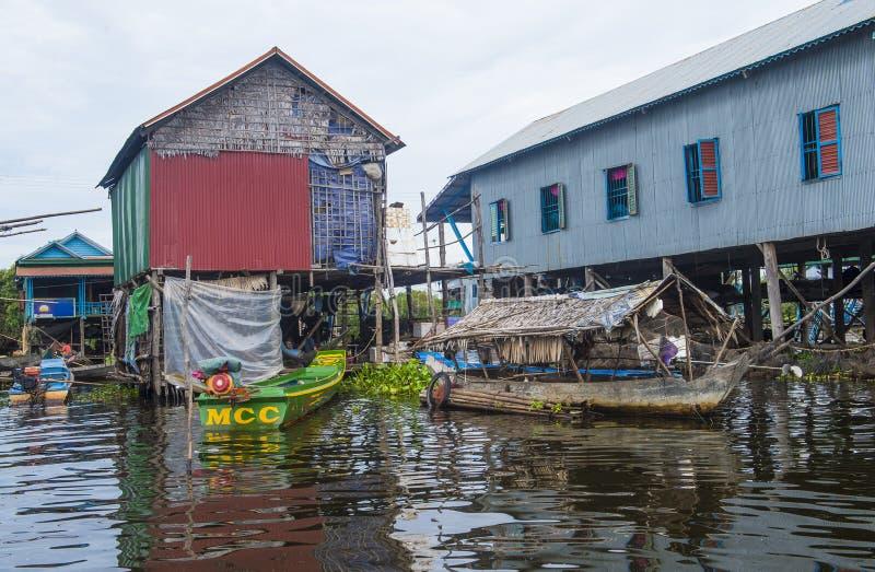 Tradycyjni drewniani stilt domy w Tonle aproszy jeziorze Kambodża zdjęcia royalty free