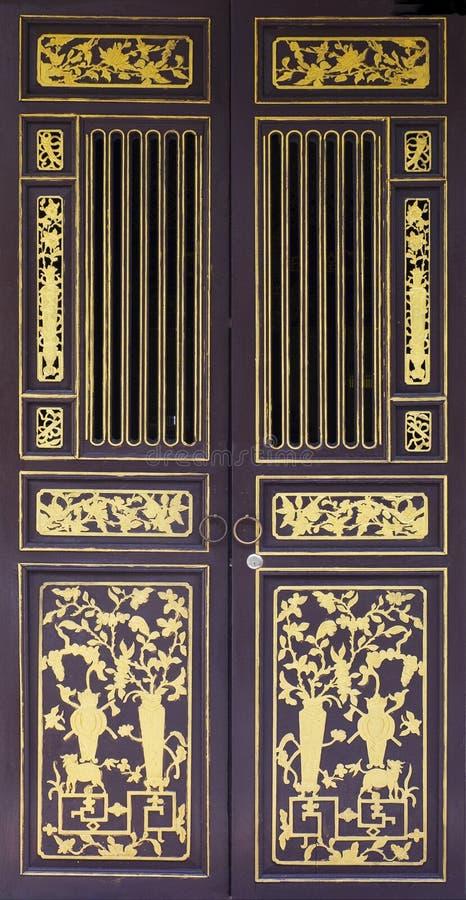 Tradycyjni drewniani tropikalni drzwi zdjęcia royalty free