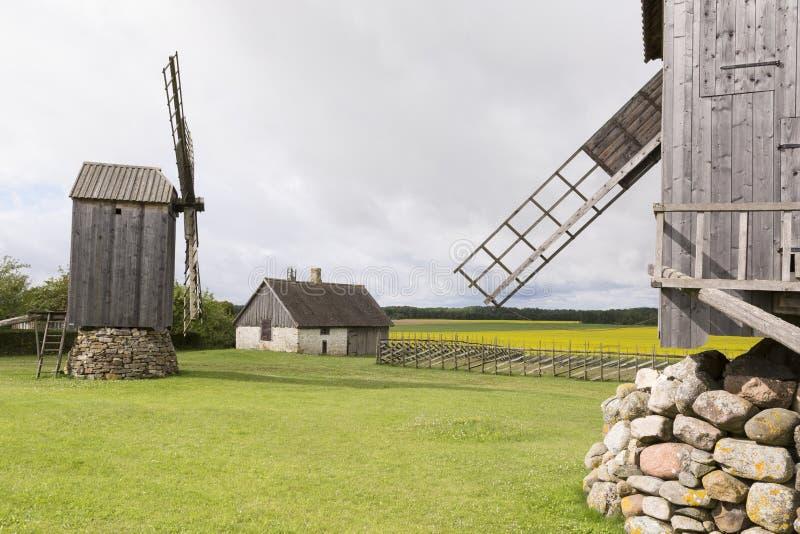 Tradycyjni drewniani wiatraczki Saaremaa wyspa obraz stock