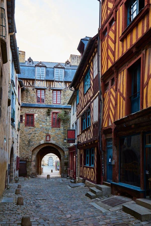 Tradycyjni ryglowi domy w starym miasteczku Rennes, Brittany -, Francja obraz stock