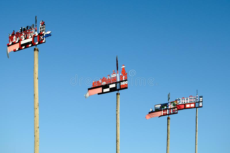 Tradycyjni rzeźbiący wiatrowskazy obraz stock