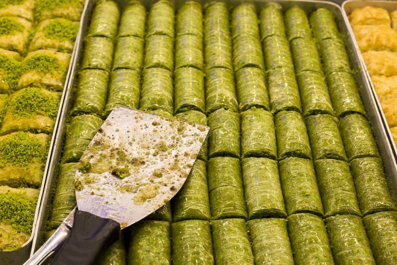 Tradycyjni Tureccy desery różnorodni; Wyśmienicie deserowy Baklava obrazy royalty free