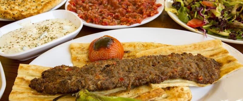 Tradycyjni Wyśmienicie Tureccy foods; Adana kebab, sis kebab obraz stock