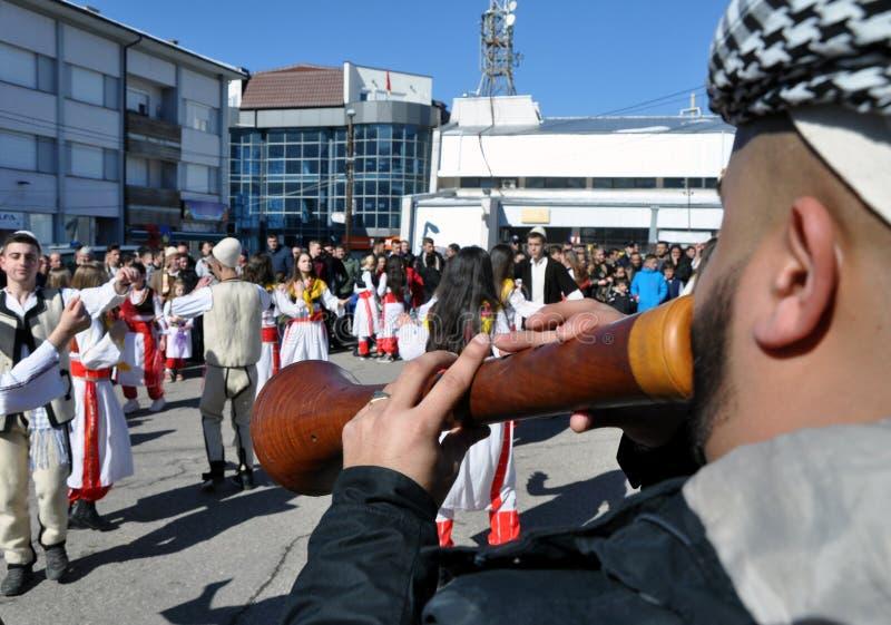 Tradycyjni zurle muzycy zaznacza 10th rocznicę Kosowo ` s niezależność w Dragash przy ceremonią obraz royalty free