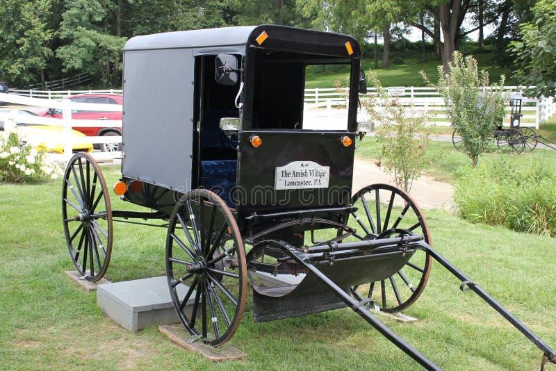 Tradycyjny Amish powozik eksponujący w Amish wiosce, Lancaster, Pennysylvania zdjęcia stock