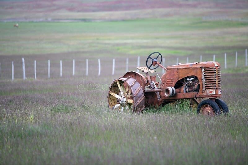Tradycyjny antyczny ciągnik w Magallanes regionie, południowy Chile zdjęcia royalty free