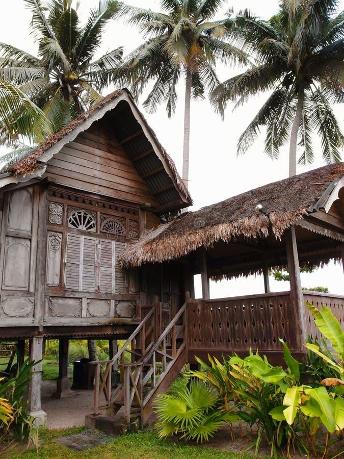 Tradycyjny antykwarski drewniany dom, Malezja obrazy stock