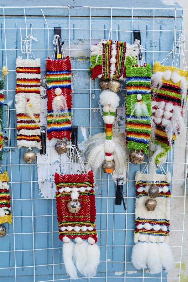 Tradycyjny bulgarian pamiątkarski dywanik z lampasami i jaskrawymi kolorami zdjęcie royalty free