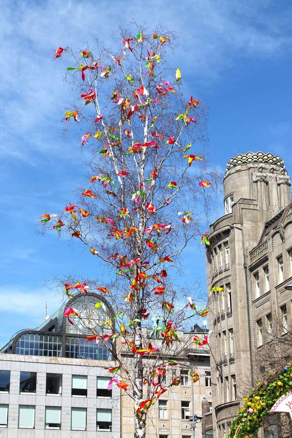 Tradycyjny Dekorujący Czeski Wielkanocny Drzewny zbliżenie na Wenceslas kwadracie, Praga obraz royalty free
