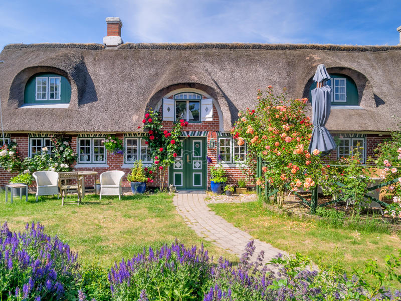 Tradycyjny dom w Sonderhoe na wyspie Fanoe fotografia royalty free