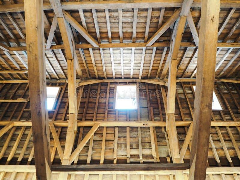 Tradycyjny drewniany dach najwyższe piętro Predikherenklooster w Mechelen zdjęcie stock