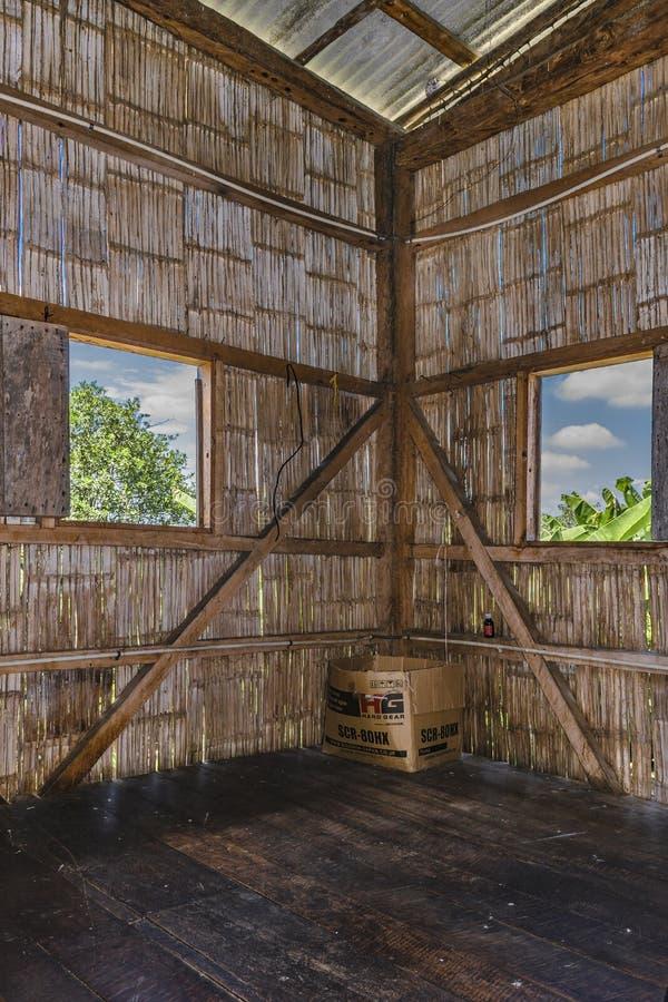 Tradycyjny Ekwadorski trzcina domu wnętrza widok obrazy royalty free