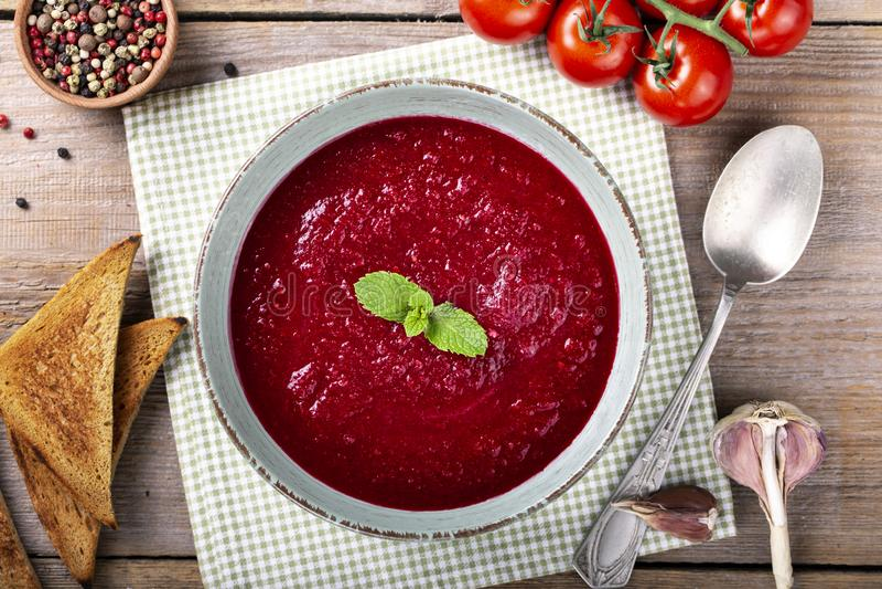 Tradycyjny hiszpa?ski zimny pomidorowy zupny gazpacho obraz royalty free