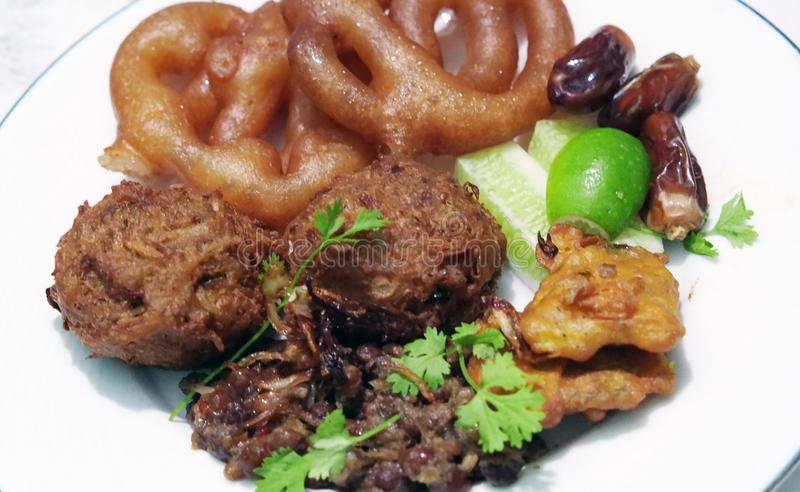 Tradycyjny iftar jedzenie Ramadan obraz royalty free
