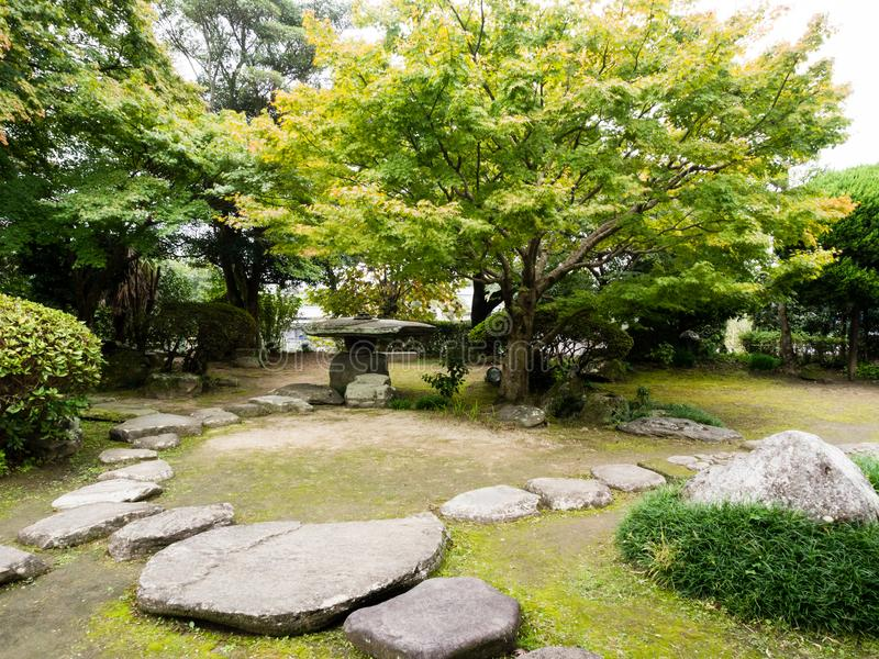 Tradycyjny japończyka ogród przy Ohara siedzibą w historycznym grodowym miasteczku Kitsuki, Oita prefektura obraz stock