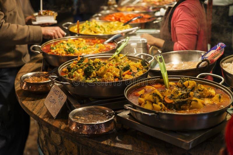 Tradycyjny jedzenie wystawiający w Camden miasteczku zdjęcia stock