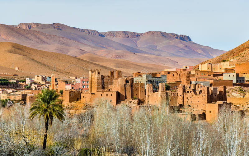 Tradycyjny Kasbah forteca w Dades dolinie w Wysokich atlant górach, Maroko zdjęcie stock