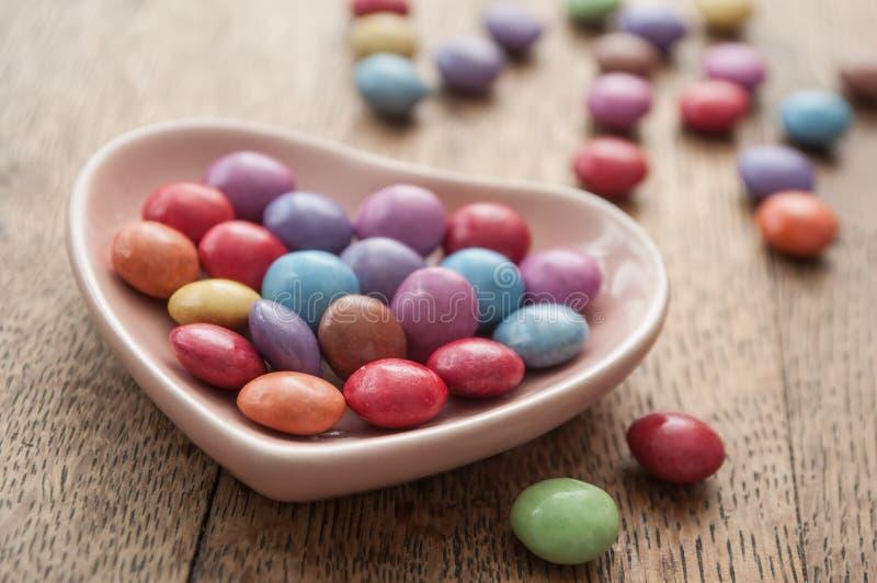 Tradycyjny kolorowy cukierek z sercem dla valentine d zdjęcie royalty free