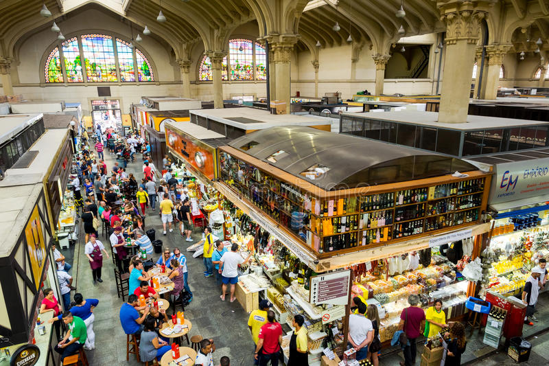 Tradycyjny Miejski rynek w Sao Paul (Mercado Miejski) zdjęcia stock