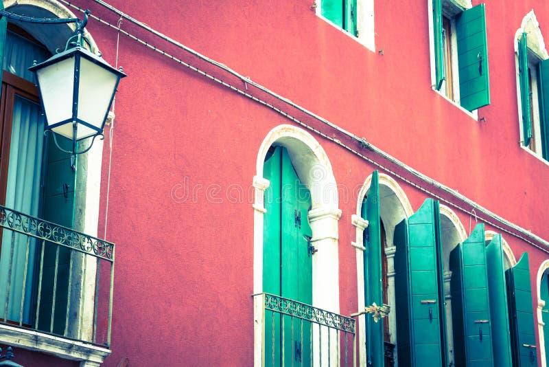 Tradycyjny okno typowy stary Wenecja budynek obraz royalty free