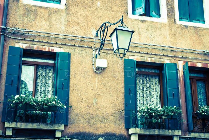 Tradycyjny okno typowy stary Wenecja budynek obrazy royalty free