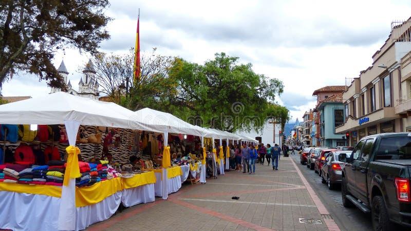 Tradycyjny rękodzieło jarmark na San Blas kwadracie, Cuenca, Ekwador fotografia royalty free