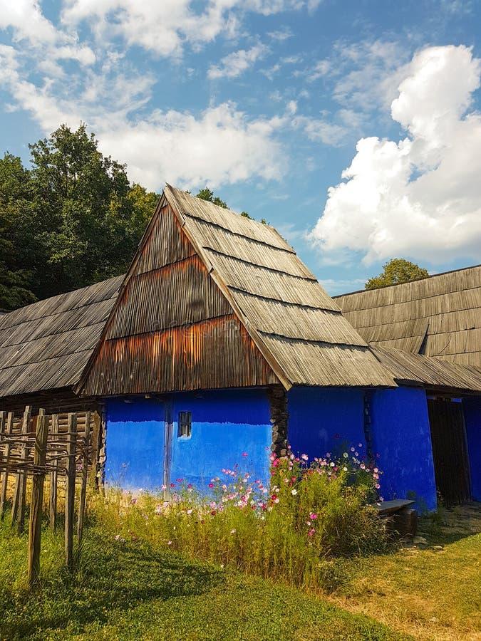 Tradycyjny romanian dom na wsi fotografia royalty free