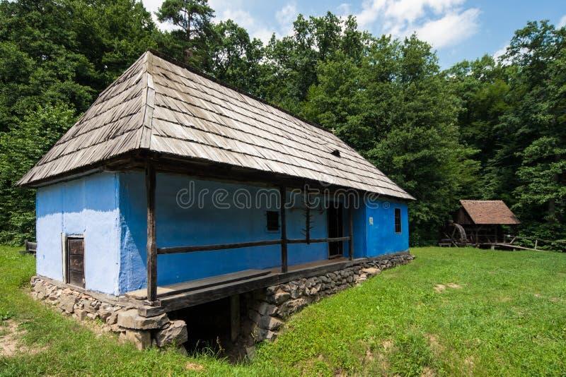 Tradycyjny Rumuński dom w wioski muzeum. obraz royalty free