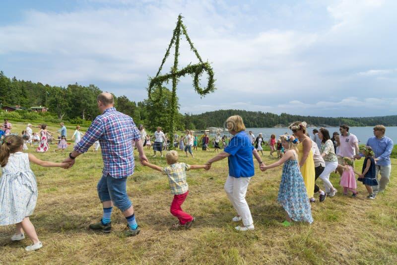 Tradycyjny szwedzki pełnia lata taniec fotografia royalty free