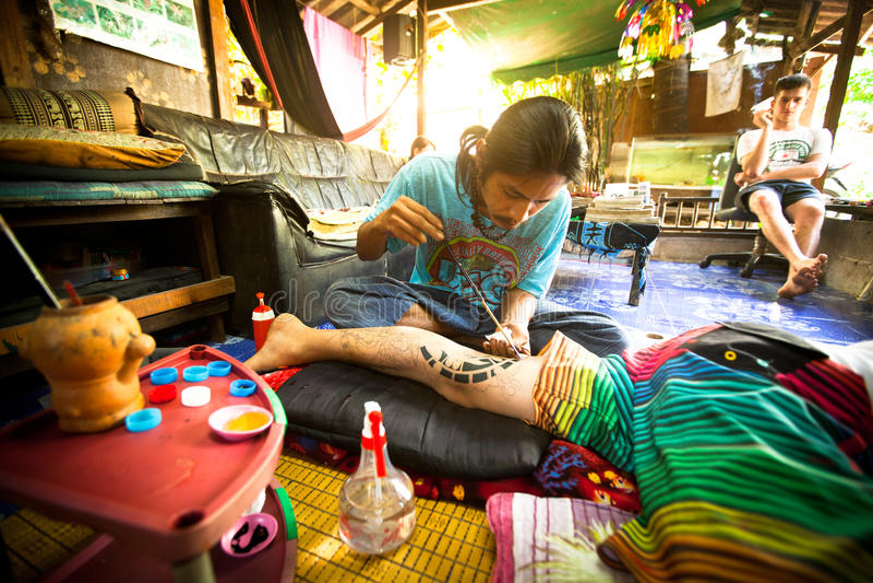 Download Tradycyjny tatuażu bambus zdjęcie editorial. Obraz złożonej z tło - 28956506