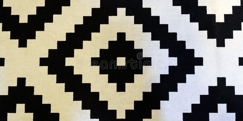 Tradycyjny uzbeka wzór na gęstym bieliźnianym dywaniku dla podłoga w korytarzu fotografia stock