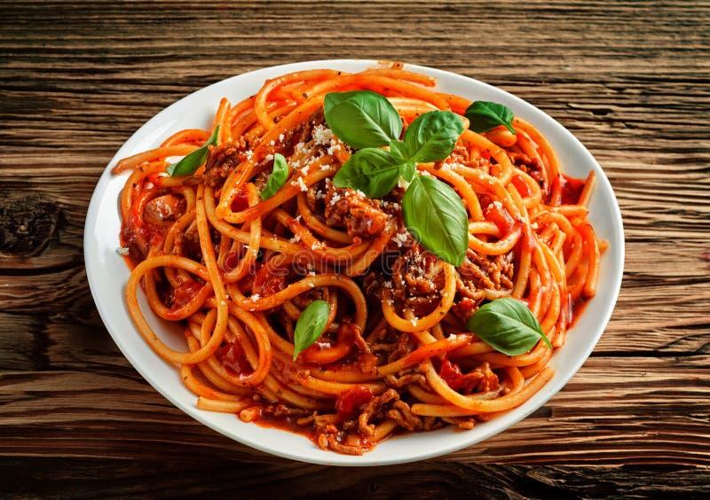 Tradycyjny Włoski spaghetti w pomidorowym kumberlandzie zdjęcia royalty free