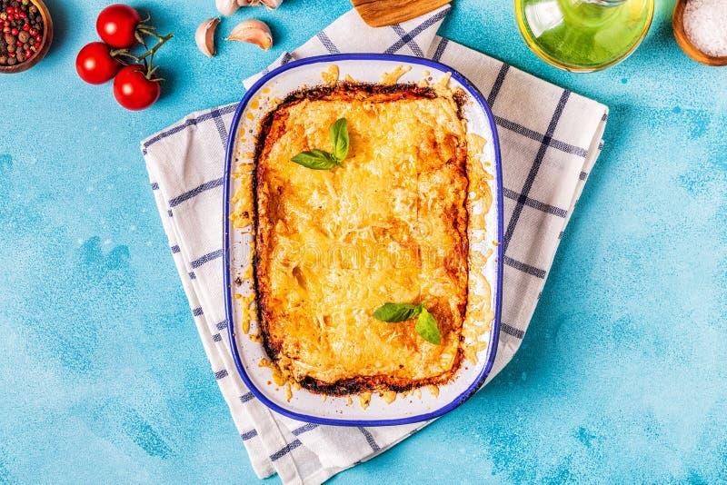 Tradycyjny w?oski lasagna z warzywami, minced mi?sem i serem, zdjęcia royalty free