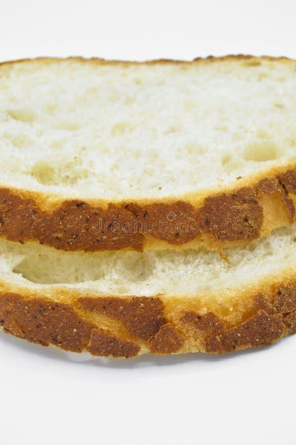 Tradycyjny ?wie?y i smakowity bia?ego chleba plasterek Skorupa, ciie obrazy royalty free