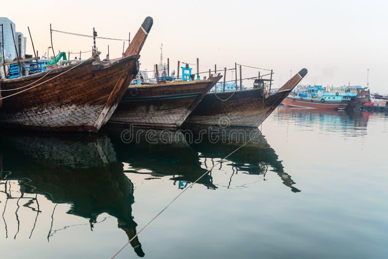 Tradycyjnych arabskich dhows drewniane łodzie zdjęcie stock