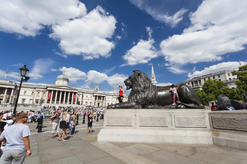 Trafalgar Square en Londres, editorial fotos de archivo