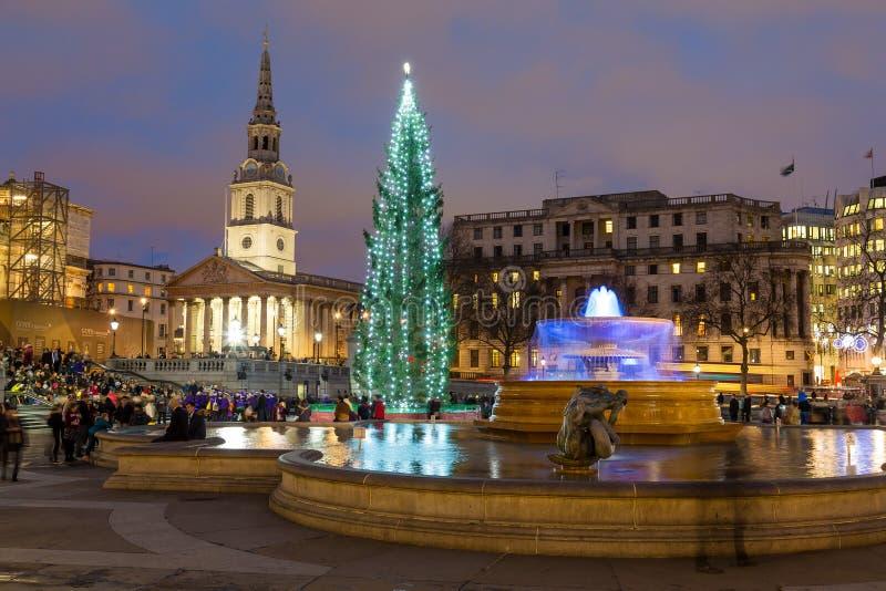 Trafalgar Square en Londres en la Navidad fotos de archivo libres de regalías