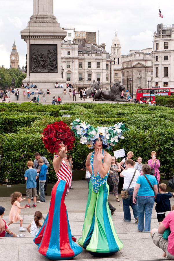 Download Trafalgar Square Giant Maze. Editorial Photography - Image of labyrinth, laurel: 15410942