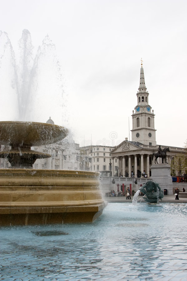 Download Trafalgar Square Scene stock photo. Image of water, statues - 7233674