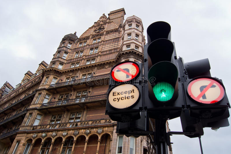 Download Traffic Light Royalty Free Stock Images - Image: 22287139
