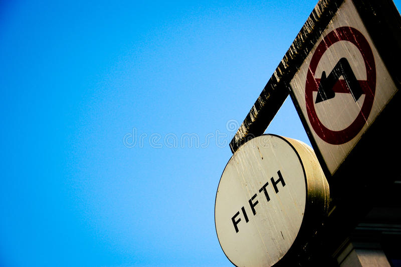 Download Traffic Sign At 5th Ave,with Blue Stock Image - Image: 12664391