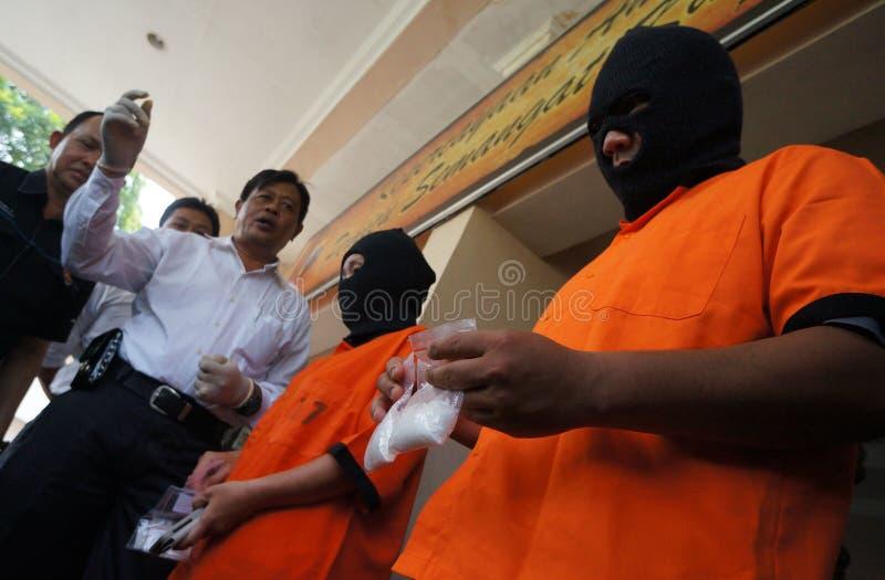 Trafficante di droga arrestato polizia fotografie stock