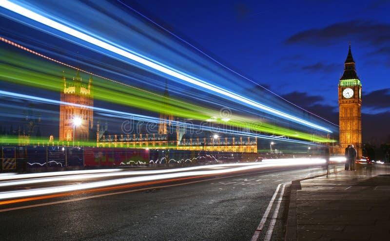 Traffico attraverso Londra immagini stock