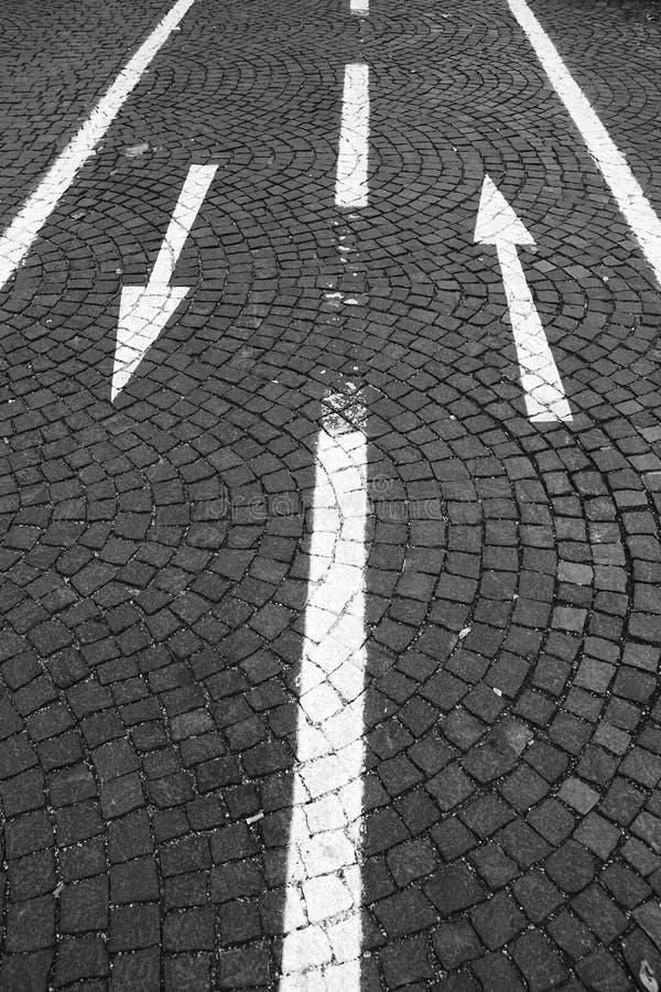 Traffico bidirezionale sul vicolo del bicylce fotografia stock