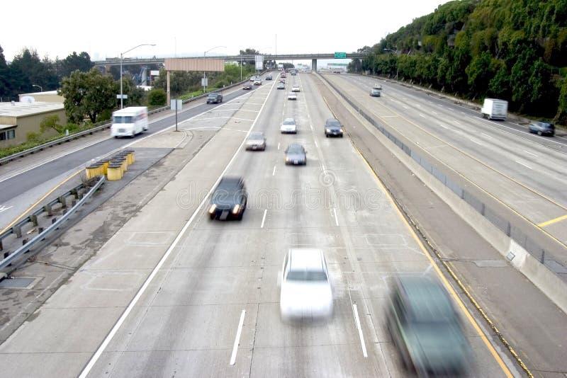 Traffico dell'autostrada senza pedaggio di traffico fotografia stock libera da diritti