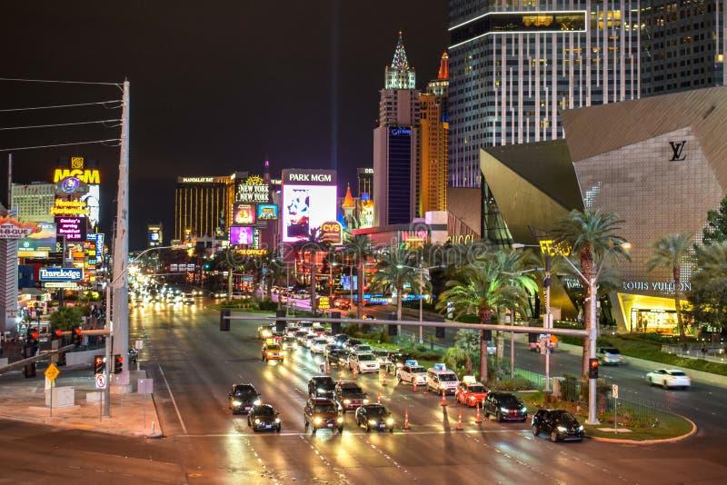Traffico della striscia di Las Vegas di notte fotografia stock