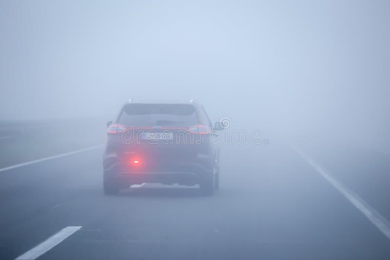 Traffico di nebbia immagini stock